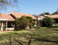 MODERN FAMILY HOME WITH LARGE INCOME PRODUCING DWELLINGS at  for 3200000