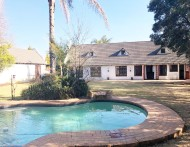 Cape Dutch family home set on 1740 M2 at  for 1575000